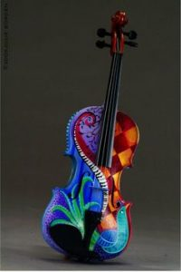 Violino pintado pela artista Julie Borden
